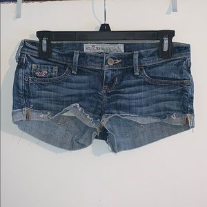Hollister// original denim shorts